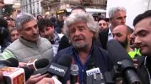 """Grillo: """"Vogliono la guerra, faremo la guerra"""""""