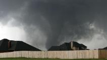 Video terrificante: ecco cosa si prova ad essere al centro del tornado