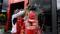 Fernando Alonso accetta la sfida dell'ALS Ice Bucket Challenge