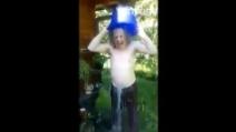 Ice Bucket Challenge, Branduardi nomina Faletti e scatena le polemiche