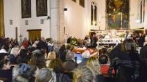Fischi durante l'omelia ai funerali di don Gallo