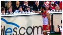 Ragazzina cacciata dallo stadio per un insulto razzista