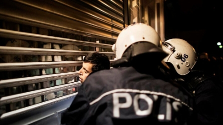 Turchia, prova di forza della polizia contro i manifestanti