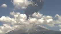L'incredibile eruzione del vulcano Popocatépetl in Messico