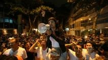 Brasile, migliaia manifestano pacificamente a Rio De Janeiro