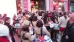 Tutti in mutande al Semi Naked Party Desigual, i primi 100 rivestiti gratis