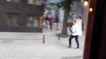 Istanbul, un gruppo munito di falci e bastoni aggredisce i passanti