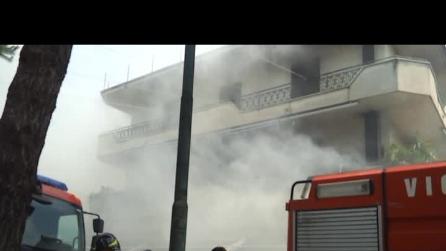 supermarket in fiamme