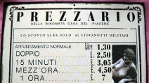 """Napoli a luci rosse: viaggio nelle """"case chiuse"""""""
