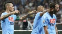 Calcio, Serie A: Napoli batte Milan e aggancia Roma in vetta