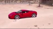 Bambino guida una Ferrari!