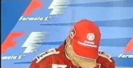 Michael Schumacher piange durante la conferenza stampa ricordando Ayrton Senna