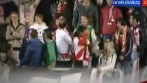 Cristiano Ronaldo dona la sua maglia ma la tifosa non perdona