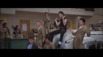 Grease Lighting, la scena del film con John Travolta