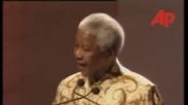 Nelson Mandela condanna l'invasione degli USA in Iraq