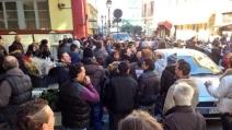 Ventimiglia, scontri tra polizia e manifestanti dei forconi alla frontiera Italia - Francia