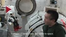 Kirobo il robottino che parla e scherza con l'astronauta