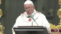 La prima messa di Natale di Papa Francesco, dedicata agli emarginati