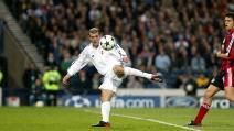 Lo straordinario gol di Zinedine Zidane contro il Bayer Leverkusen