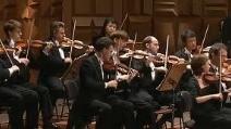 Il maestro Claudio Abbado dirige l'orchestra nella Sesta Sinfonia di Beethoven
