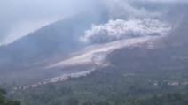 Indonesia, l'eruzione del vulcano Sinabung: almeno 11 morti