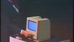 24 gennaio 1984, il giovane Steve Jobs presenta il Macintosh