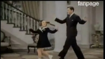 """Shirley Temple canta e balla """"We Should Be Together"""""""