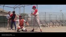 """Sid Caesar e John Travolta nella scena del baseball in """"Grease"""""""