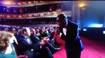 """Tinie Tempah e il principe William si danno il """"cinque"""" ai Bafta"""