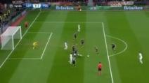 Il grande gol di Ibra all'incrocio dei pali col Leverkusen