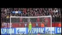 Il rigore fallito da Ozil contro il Bayern in Champions