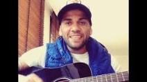 Dani Alves, un talento innato anche nella musica
