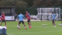 """Un """"epico"""" torello aereo dei giocatori del Manchester City: si vede la mano di Pep Guardiola"""