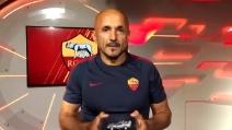 """Gli auguri di Spalletti a Totti: """"Come voto ti do 9,9"""". E a Ilary regala 'Piccolo uomo'"""