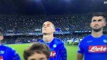 """Napoli-Benfica, l'urlo """"The Champions"""" del San Paolo è impressionante"""