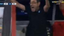 Napoli-Benfica, segna Hamsik: incontenibile esultanza di Sarri