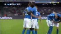 Napoli-Benfica, l'esultanza di Milik dopo il terzo gol