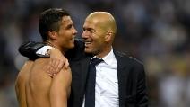 Il Real Madrid vince l'11esima Champions League, Zidane e Cristiano Ronaldo si abbracciano