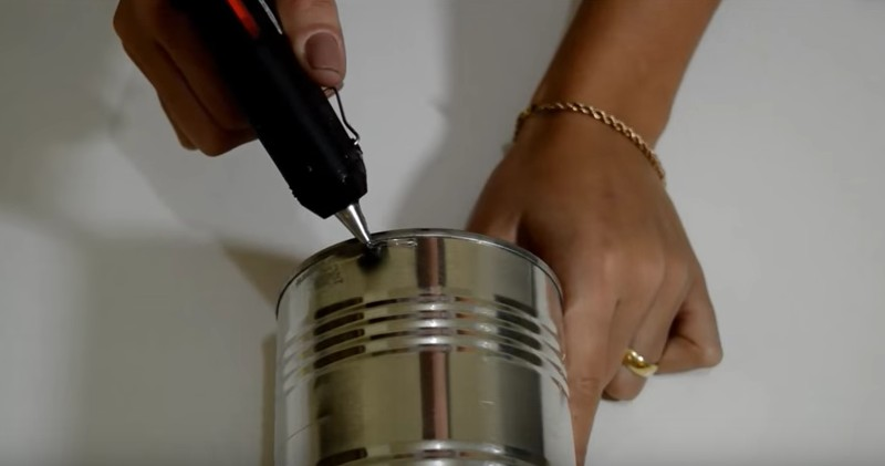 Lampada Barattolo Di Latta : Lidea originale per riciclare un barattolo di latta