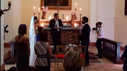 """Andrea Delogu sposa Francesco Montanari e gli canta """"T'appartengo"""""""