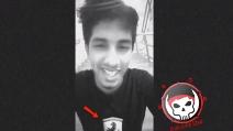 Il video dell'attentatore di Dacca: indossava una maglia della Ferrari