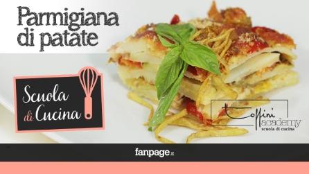Video ricetta Parmigiana di patate vegetariana con zucchine e pomodorini