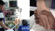 Sun Xiang chiede scusa a Demba Ba: la commovente stretta di mano in ospedale