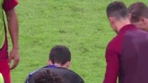 Cristiano Ronaldo entra in campo per incitare i compagni nei supplementari