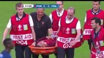 Portogallo-Francia, Cristiano Ronaldo esce in lacrime: portato fuori in barella