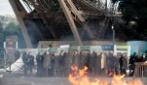 Portogallo-Francia, scontri tra tifosi e polizia sotto la Tour Eiffel durante la finale