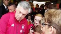 Bayern Monaco, l'entusiasmo dei piccoli tifosi all'arrivo di Ancelotti