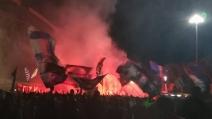 Il Napoli compie 90 anni: la festa dei tifosi durante la notte