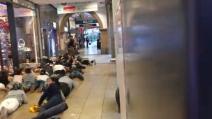 Attentato Monaco, clienti fatti sdraiare a terra dopo la sparatoria