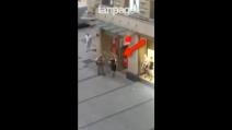Strage a Monaco, i poliziotti durante il blitz al centro commerciale
